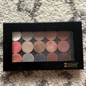 Zpalette with assorted eyeshadows